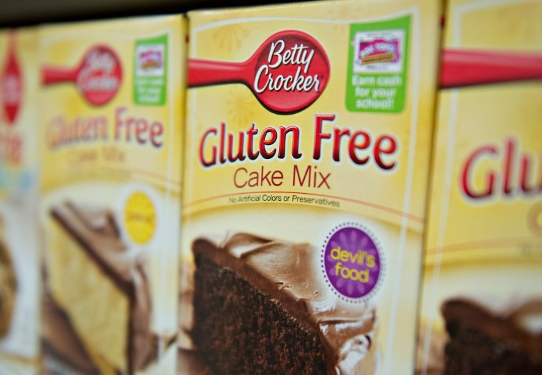 betty crocker gluten free cake mix package